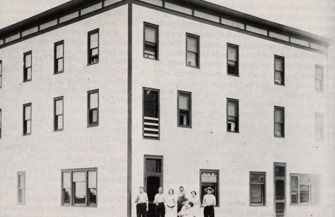 Brooking Hotel in 1915***